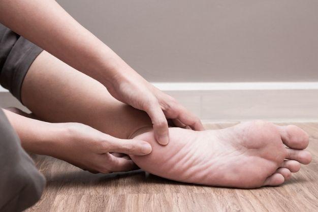¿Qué es el síndrome del túnel del tarso y cómo tratarlo?